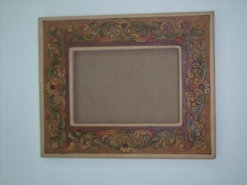 Cuero: cursos de marroquinería artesanal.