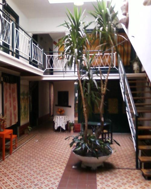 Piezas habitaciones apartamentos pension alquiler familiar