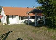Alquilo casa para 6 en Barra de Valizas, 2 dormitorios, jardín, parrillero, agua de Ose, electricidad y agua caliente