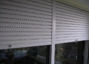 Aberturas Montevideo. Cortinas de enrollar, motorización, celosias plegables, puertas corredizas.
