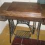 vendo mesa antigua de maquina de cose Singer