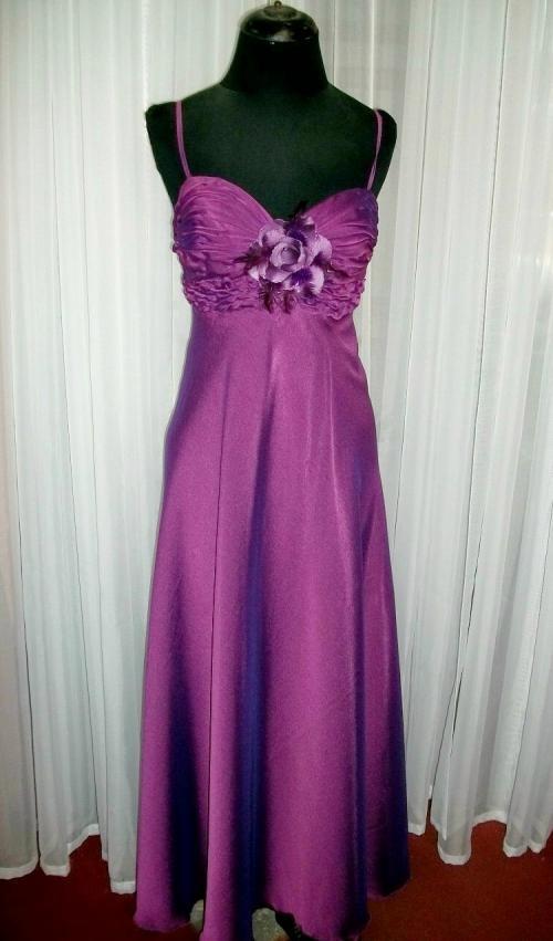 Alquiler de elegantes y exclusivos vestidos de fiesta