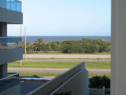 Punta del este apartamento 2 dormitorios frente al mar