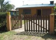 Se alquila casa frente al arco de salinas