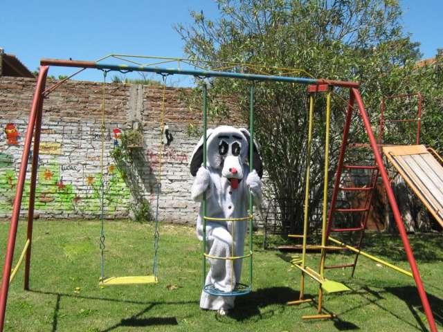 Juegos para jardin para niños y disfraz de perro en Canelones ...