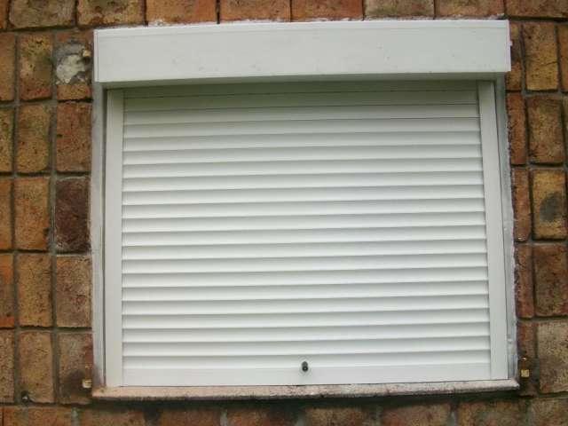 Reparación de cortinas de enrollar de plastico madera o aluminio