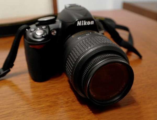 Cámara nikon d3100 + lente 18-55mm + bolso+accesorios [pack]