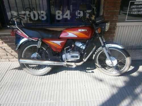 Vendo moto bajaj kb125 año 1999 funcionando perfectamente