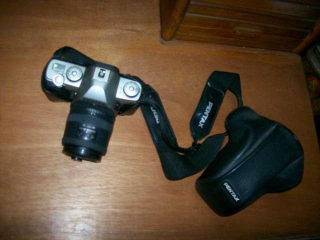 Cámara pentax mz-m reflex 35 mm con motor y equipo complementario