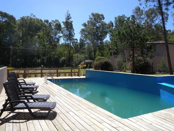 Casa con piscina a media cuadra del mar