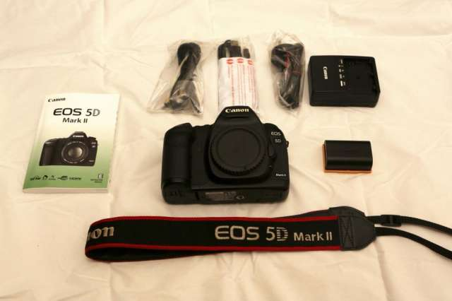 Canon eos 5d mark ii con ef 24-105mm is lente