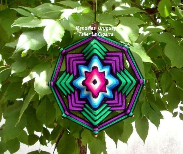 Mandala textil - artesanía realizada en lana y madera
