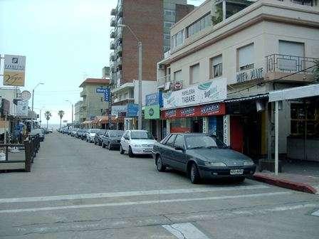 Apartamento en piriapolis a una de la playa , pleno centro