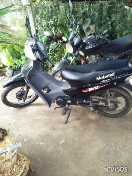 Se vende moto marca motomel 110cc..