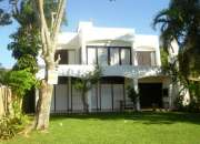 Florianopolis frente al mar casa de 5 dormitorios para verano 2017 disponible