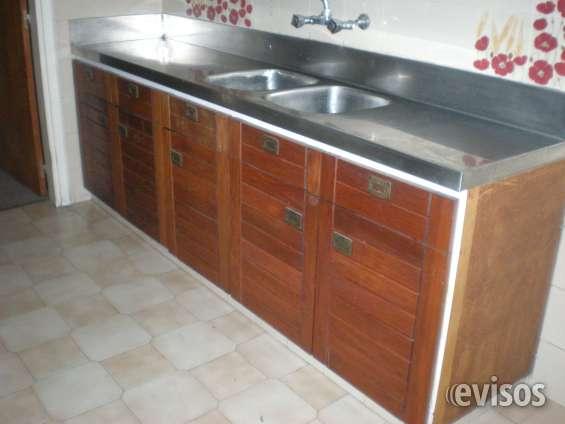Cocina con más de 20 puertas de placares