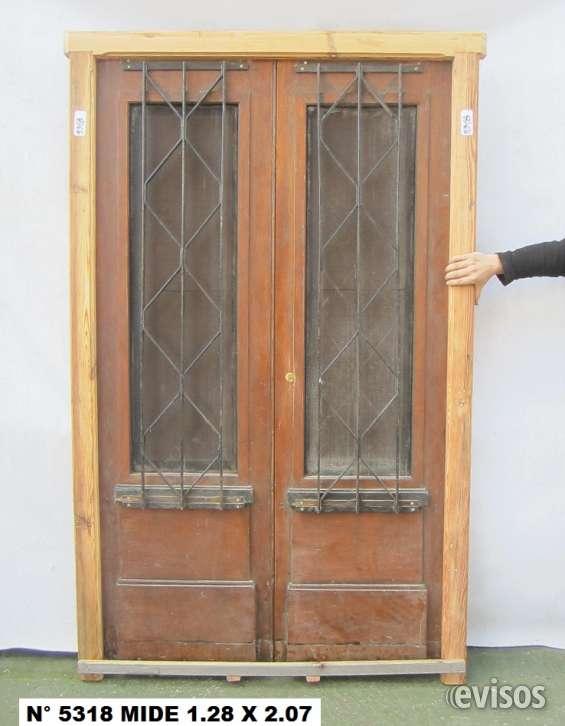 Puerta de madera de 2 hojas