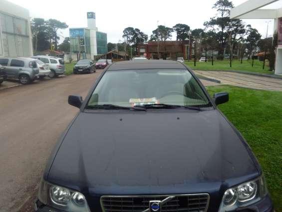 Sedan volvo 2004 4 puertas