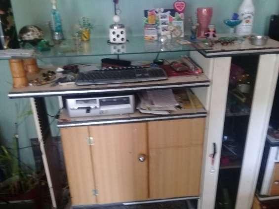 Mueble -repisa. para tv, computadora etc.