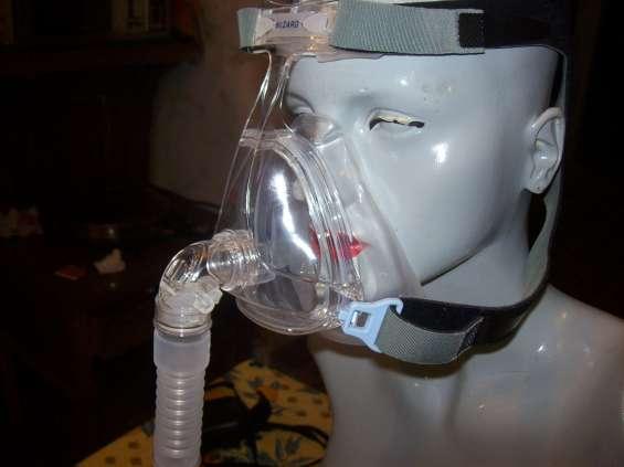 Mascara nasal para apnea sueño.