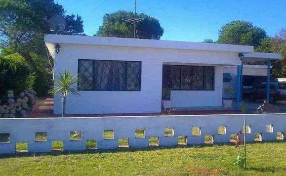 Casa en bello horizonte, a 2 cuadras de la playa canelones precio: u$s 149.000.