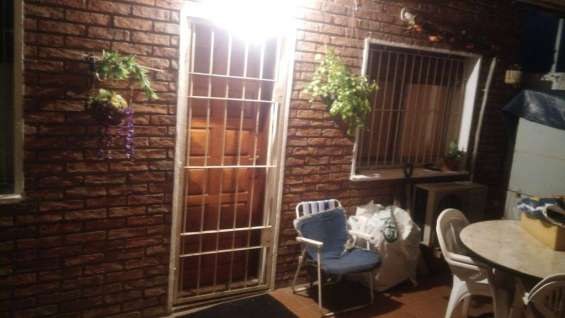 Casa en piedras blancas, a 2 cuadras de mendoza montevideo precio: u$s 69.000