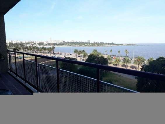 Oportuidad apartamento en excelente estado frente al mar.