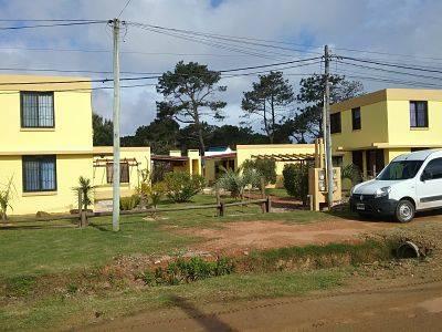 Casas nuevas modernas en un predio de 1200 m2 en el barrio residencial de playa serena