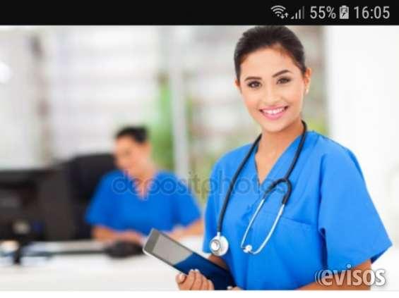 Enfermera cuidadora auxiliar