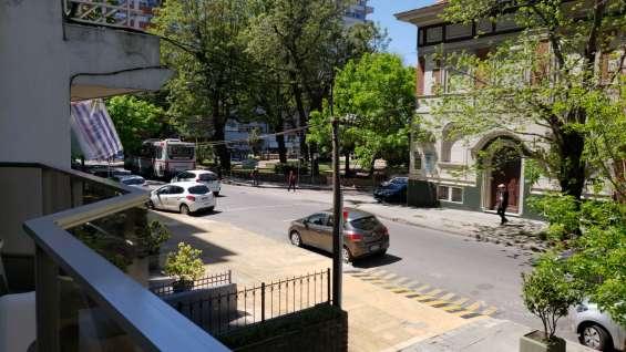 Fotos de Apartamento con patio, frente a plaza gomensoro, a 100 metros de la rambla. 17