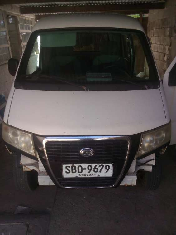 Vendo gonow mini van cargo año 2012