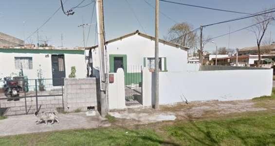 3 casas de 2 dorm. y monoambiente - maroñas