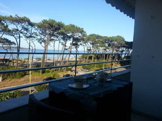 Apartamento todo sobre playa mansa