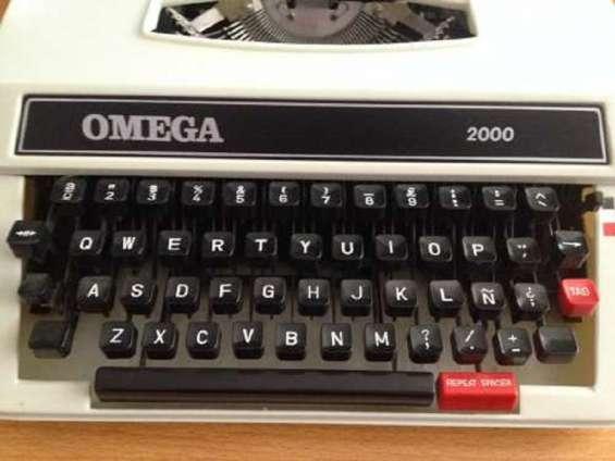 Maquina de escribir,version teclado español, nuevas en caja,con garantia 1 año importadora