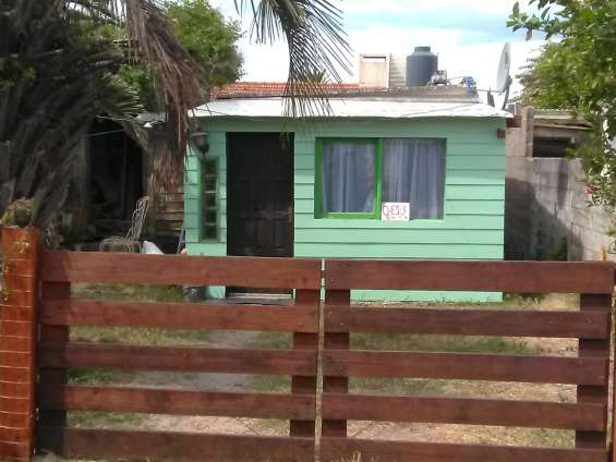 Vendo casa 1/2 cuadra de la playa en la paloma!!
