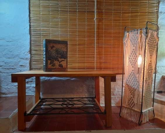 Mesa ratona madera finger hierro labrado